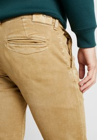 Pepe Jeans - JAMES - Jean slim - malt - 5