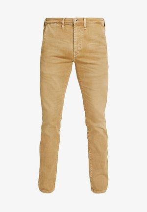 JAMES - Slim fit jeans - malt