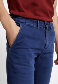 Pepe Jeans - JAMES - Jeansy Slim Fit - thames - 5