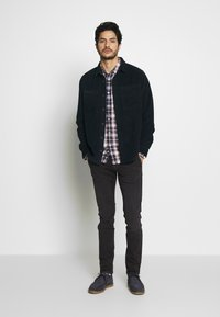 Pepe Jeans - JAMES - Jeansy Slim Fit - charcoal - 1