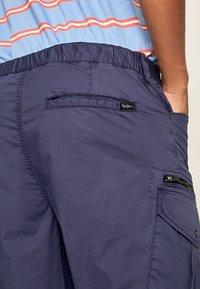 Pepe Jeans - KEYS EXPEDIT  - Bojówki - alt blau - 4