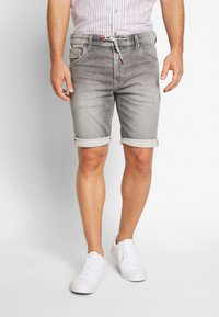 Pepe Jeans - JAGGER SHORT USED - Szorty jeansowe - 000 - 0