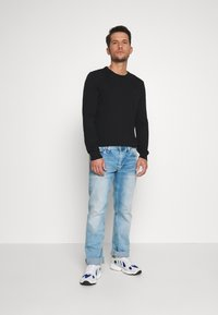 Pepe Jeans - KINGSTON ZIP - Džíny Straight Fit - bleach - 1