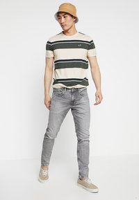 Pepe Jeans - FINSBURY - Jeans Skinny Fit - grey wiser wash - 1