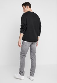 Pepe Jeans - HATCH - Jeansy Slim Fit - grey wiser wash - 2