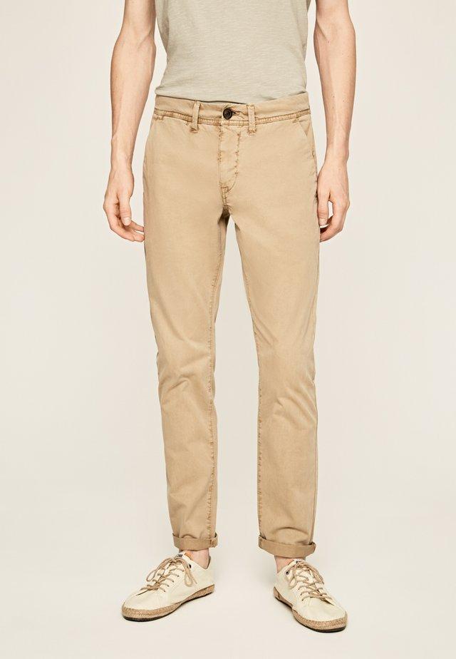 BLACKBURN SATIN - Pantalones - khaki braun