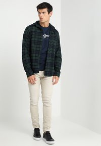 Pepe Jeans - EGGO - T-shirt z nadrukiem - 595 - 1