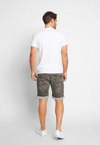 Pepe Jeans - RAURY - Camiseta estampada - safari - 2