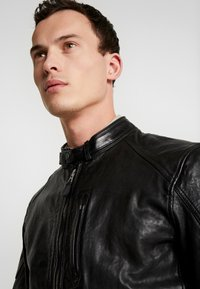 Pepe Jeans - DONOVAN - Leather jacket - black - 3