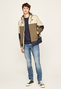 Pepe Jeans - PETE - Kurtka Outdoor - chatham blue - 1
