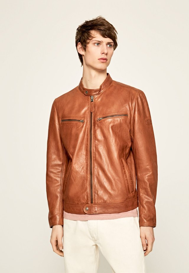 JARED - Chaqueta de cuero - brown