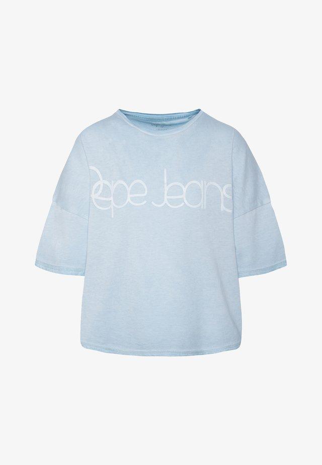 DARIENNE - Camiseta estampada - light spa
