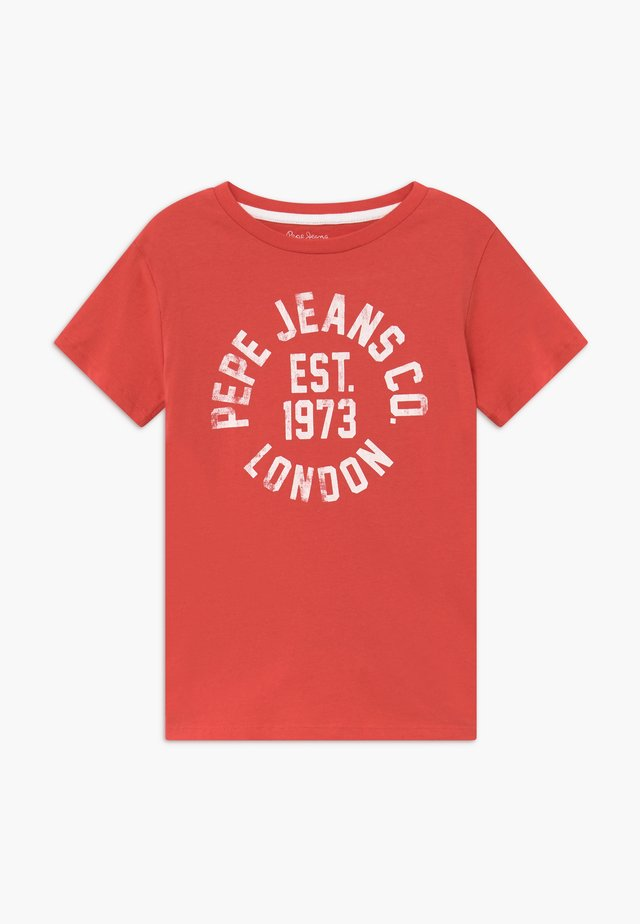 ANTHONY - Camiseta estampada - dark coral