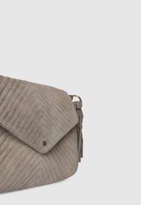 Pepe Jeans - POLONIA - Torba na ramię - grain beige - 5