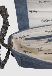 Pepe Jeans - POLONIA - Torba na ramię - pale blue - 4