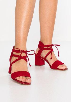 PETZI - Sandals - lipstick