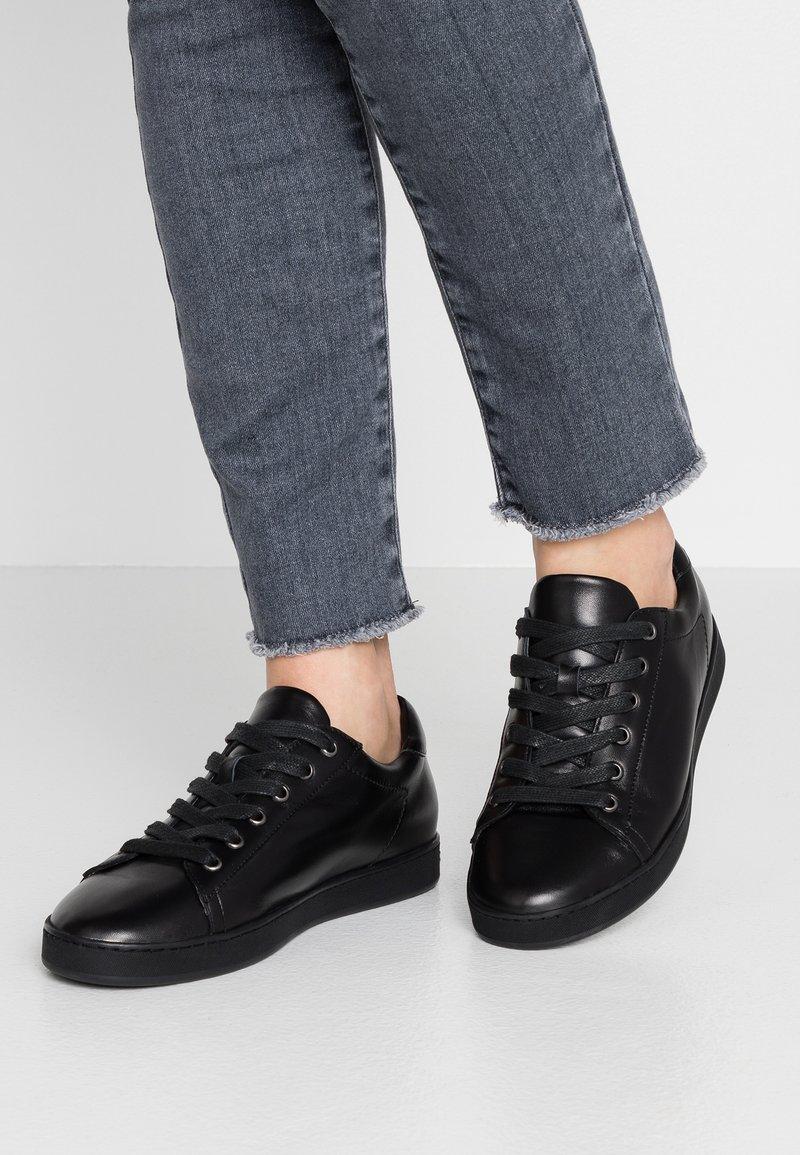 Peter Kaiser - SALI - Sneakers laag - schwarz