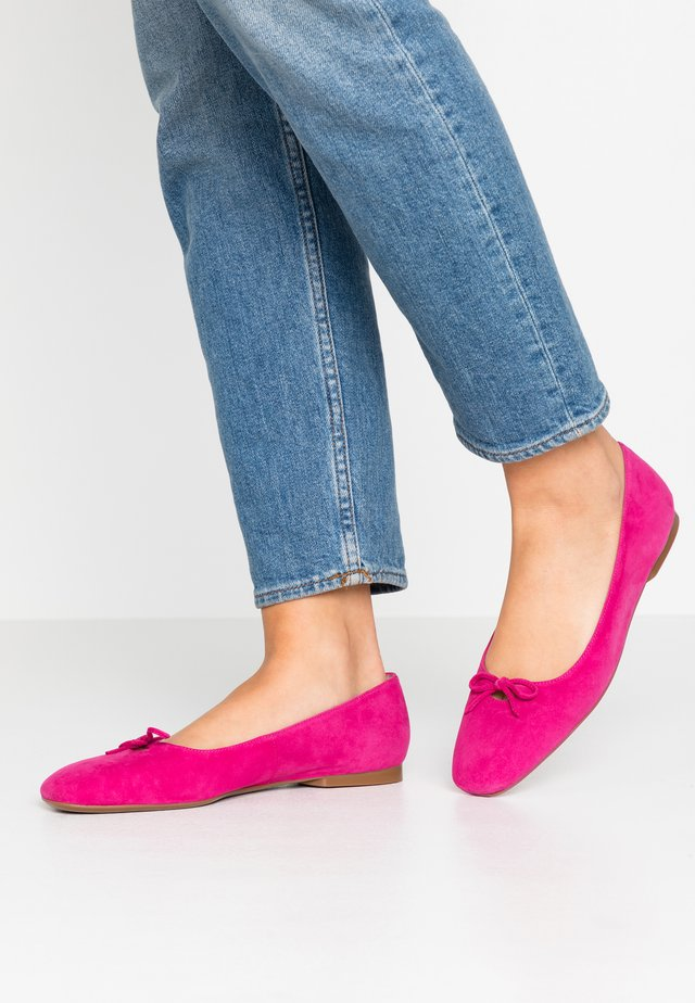 DEMI - Ballet pumps - berry