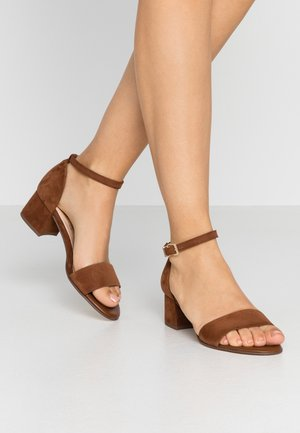 CLARIS - Sandals - sable