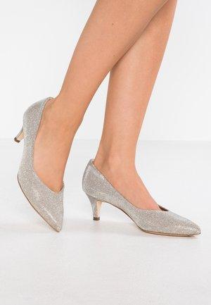 CALLAE - Classic heels - sand shimmer