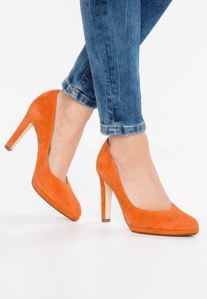 HERDI - High heels - amber glow