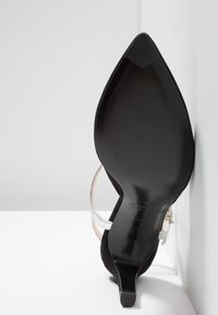 Peter Kaiser - EYRINA - High Heel Pumps - black/silver corfu - 6