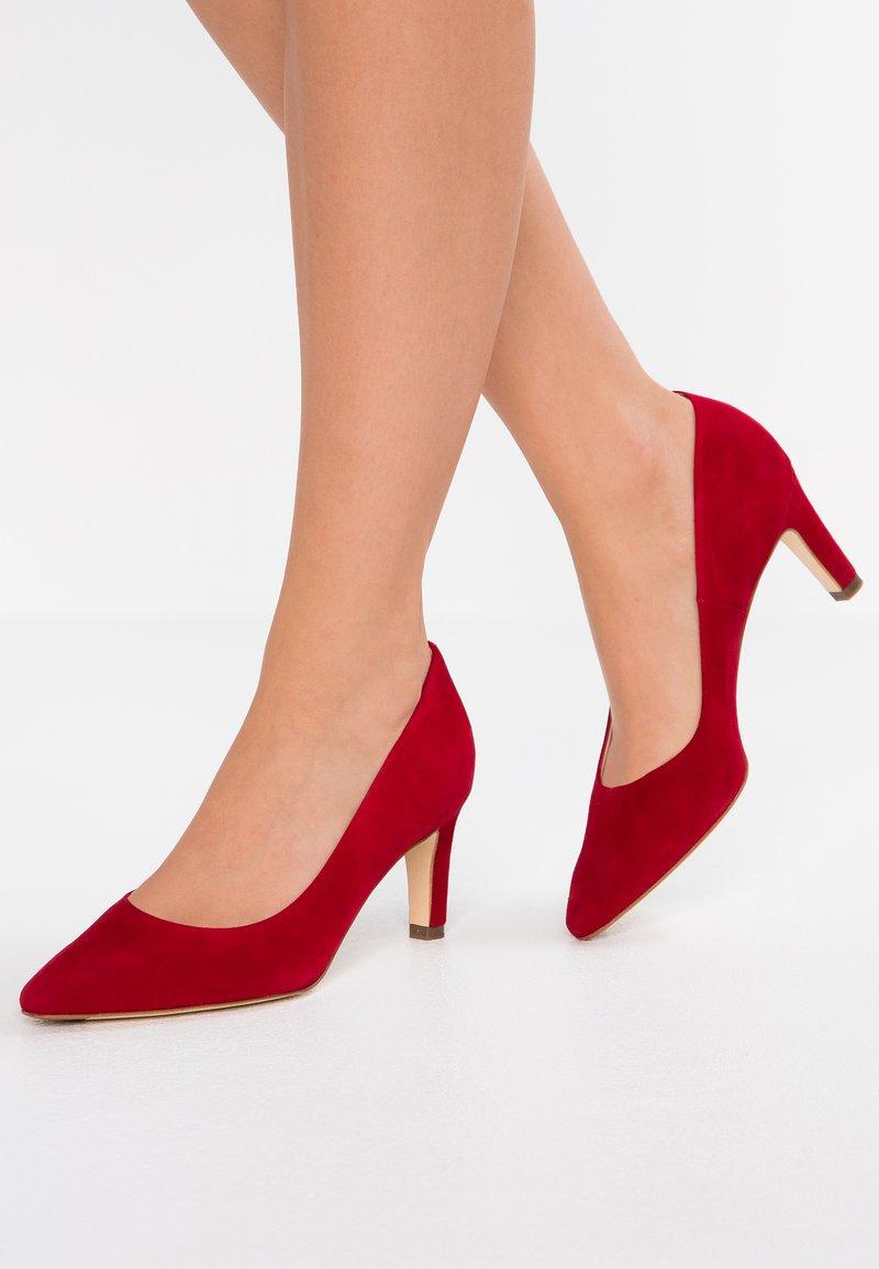Peter Kaiser - RESSA - Classic heels - lipstick