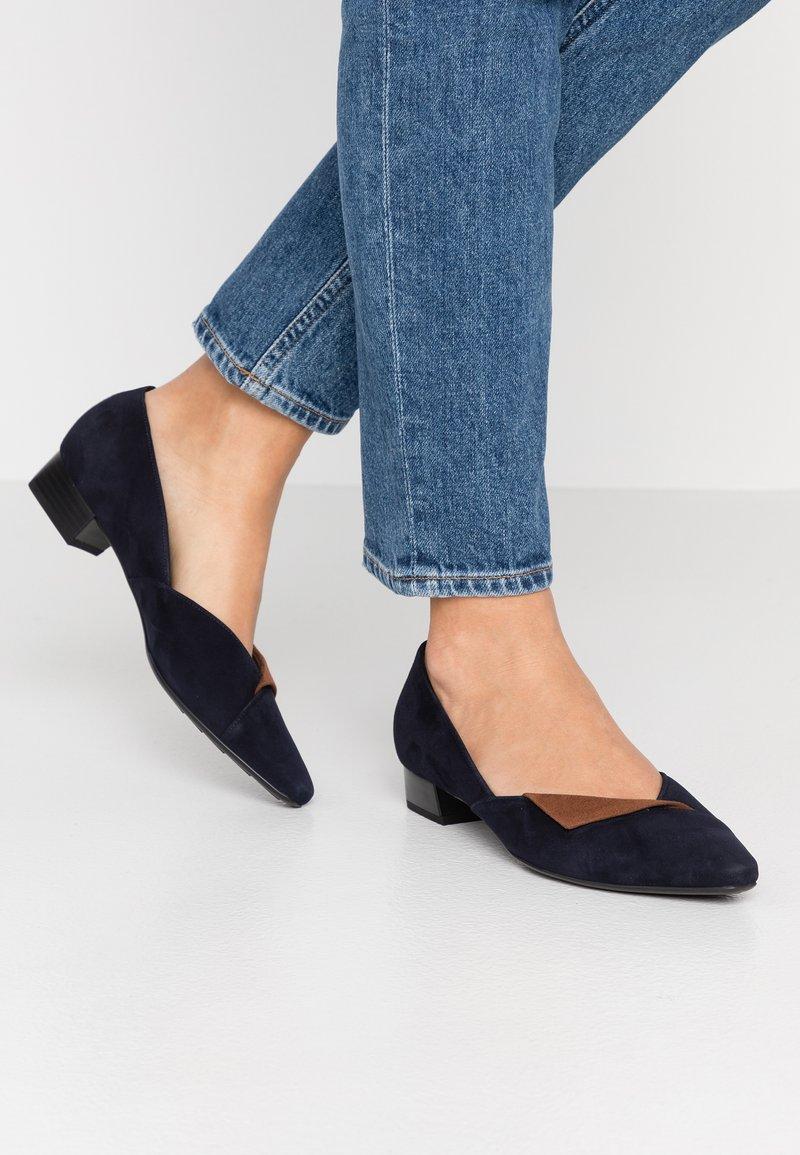 Peter Kaiser - LENCY - Classic heels - navy sable
