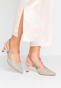 Peter Kaiser - MITTY - Classic heels - sand shimmer - 0