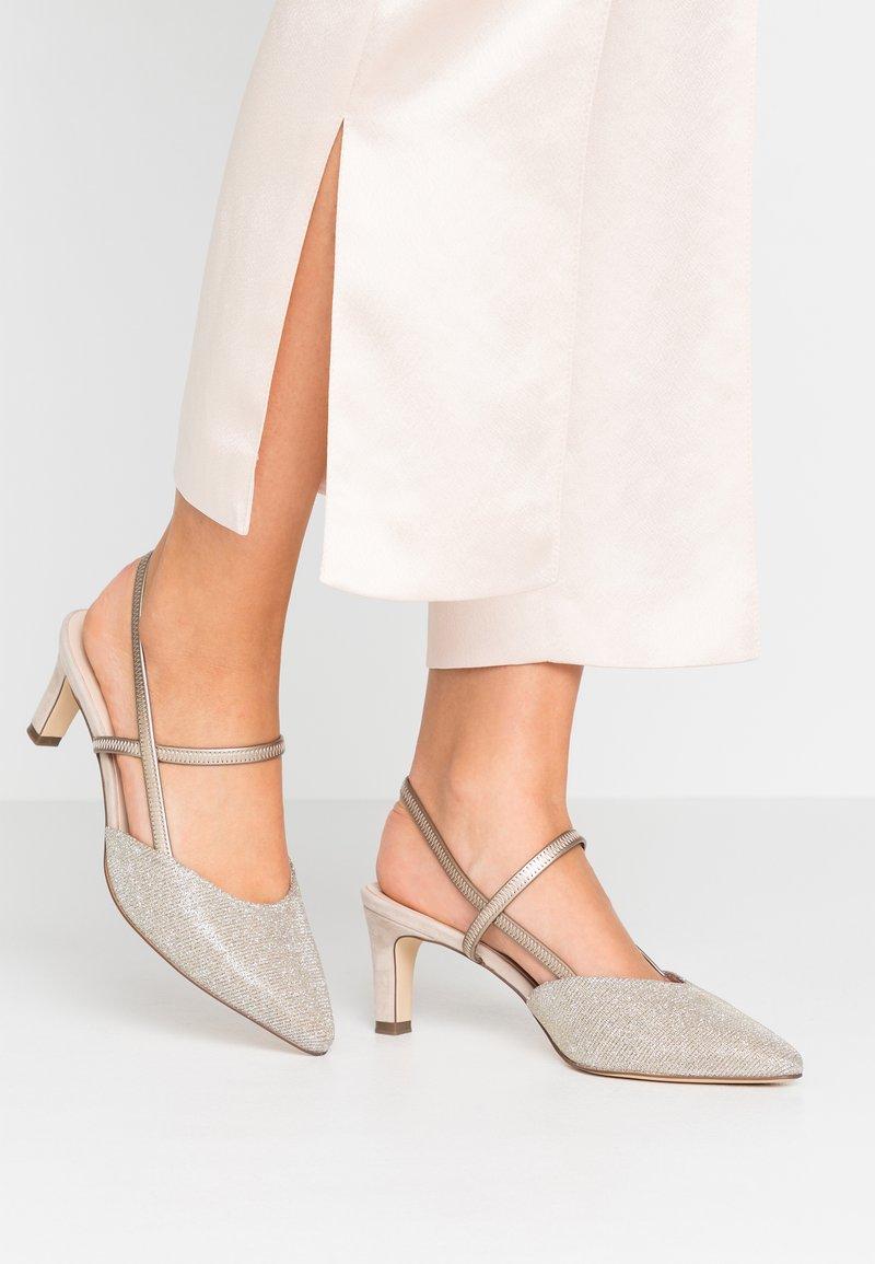 Peter Kaiser - MITTY - Classic heels - sand shimmer