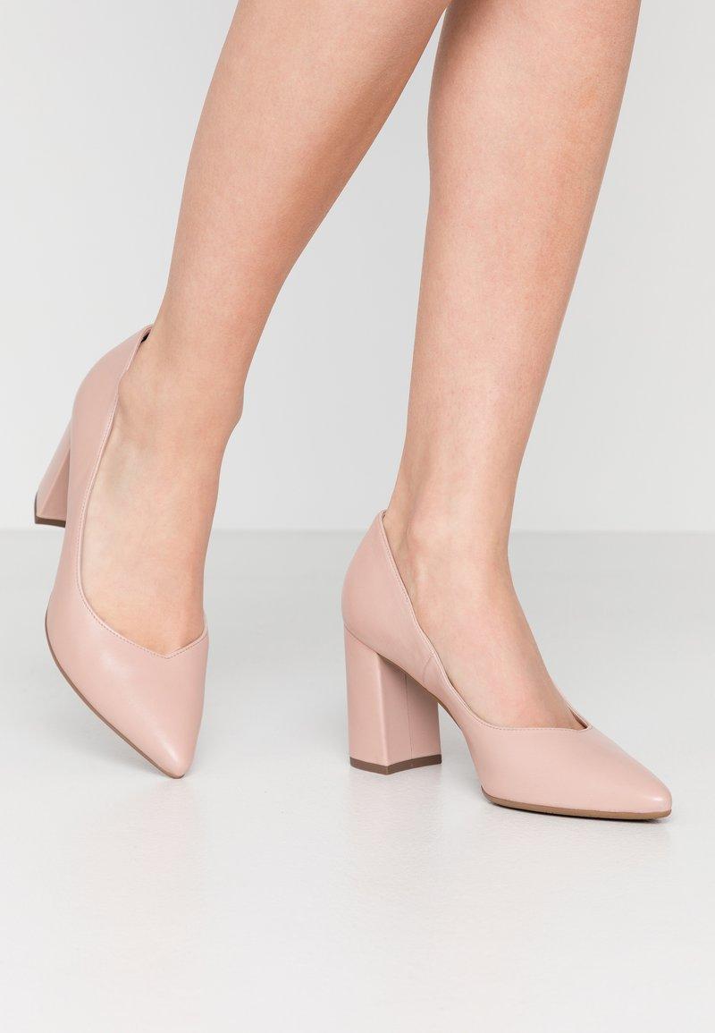 Peter Kaiser - Classic heels - powder