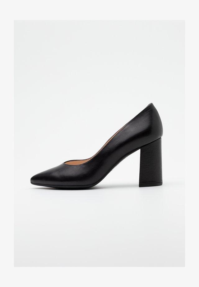 LYNSEY - Classic heels - schwarz