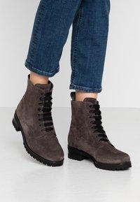 Peter Kaiser - LESATA - Lace-up ankle boots - carbon siga - 0