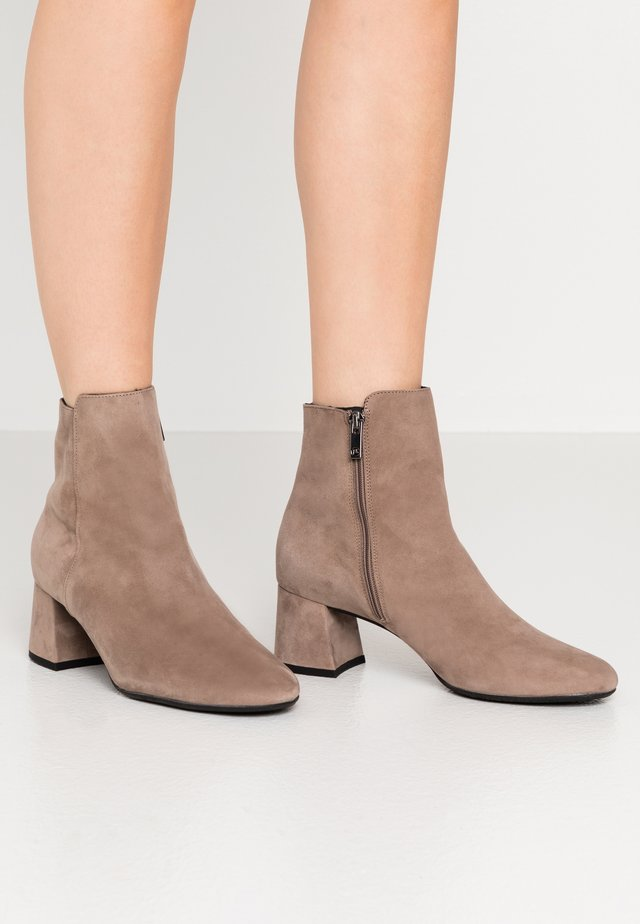BETTY - Classic ankle boots - sand