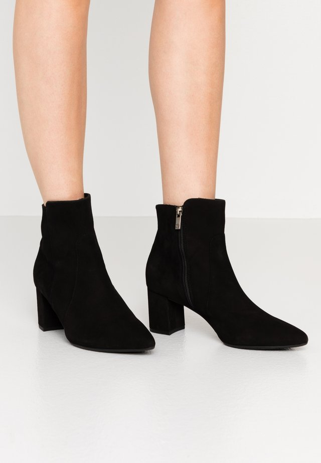BIONI - Classic ankle boots - schwarz