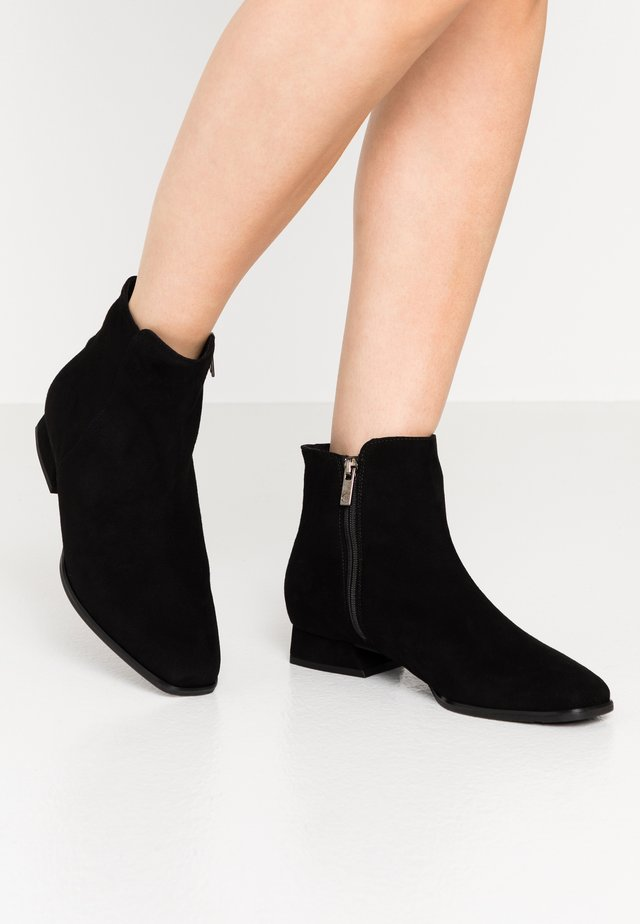LARIA - Classic ankle boots - schwarz