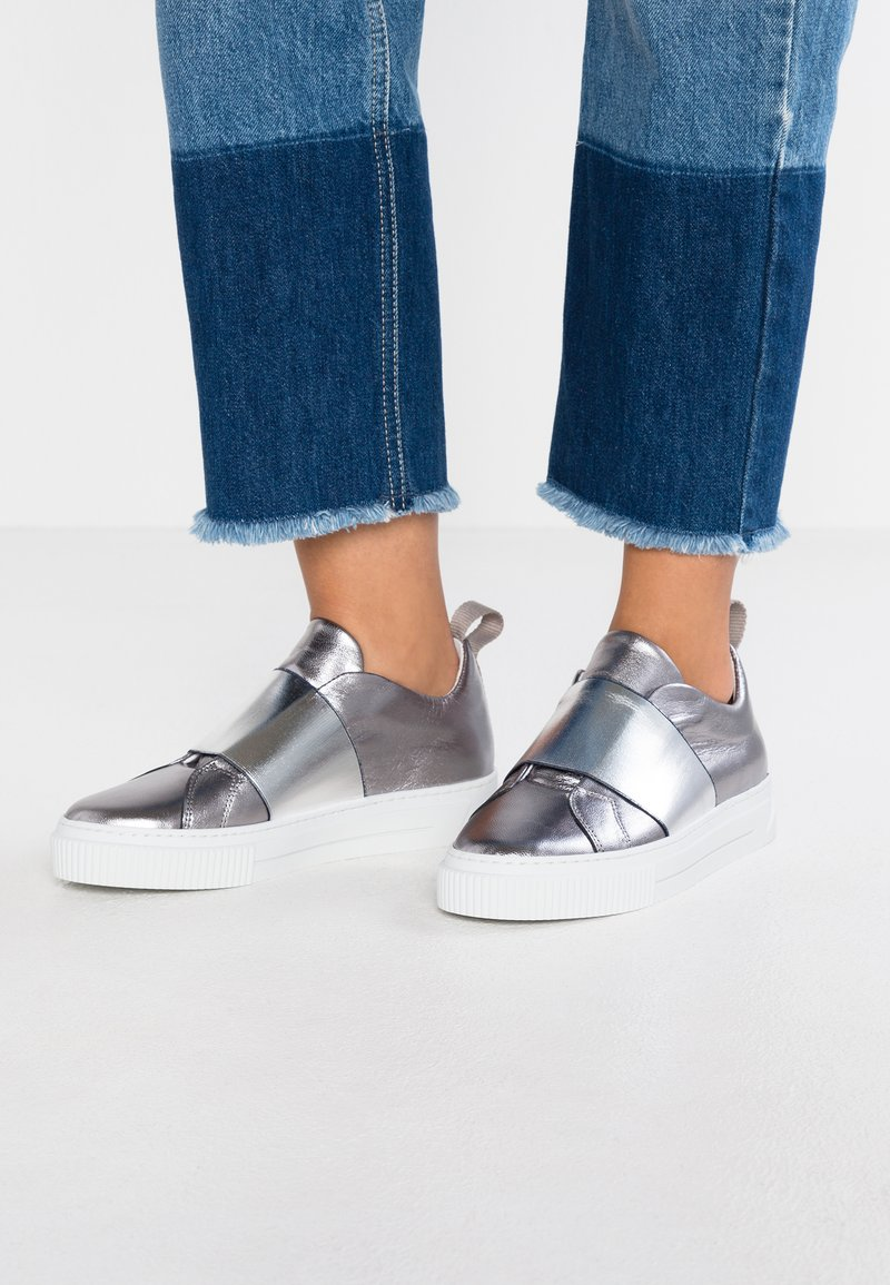 Pieces - PSDIONE - Loafers - silver
