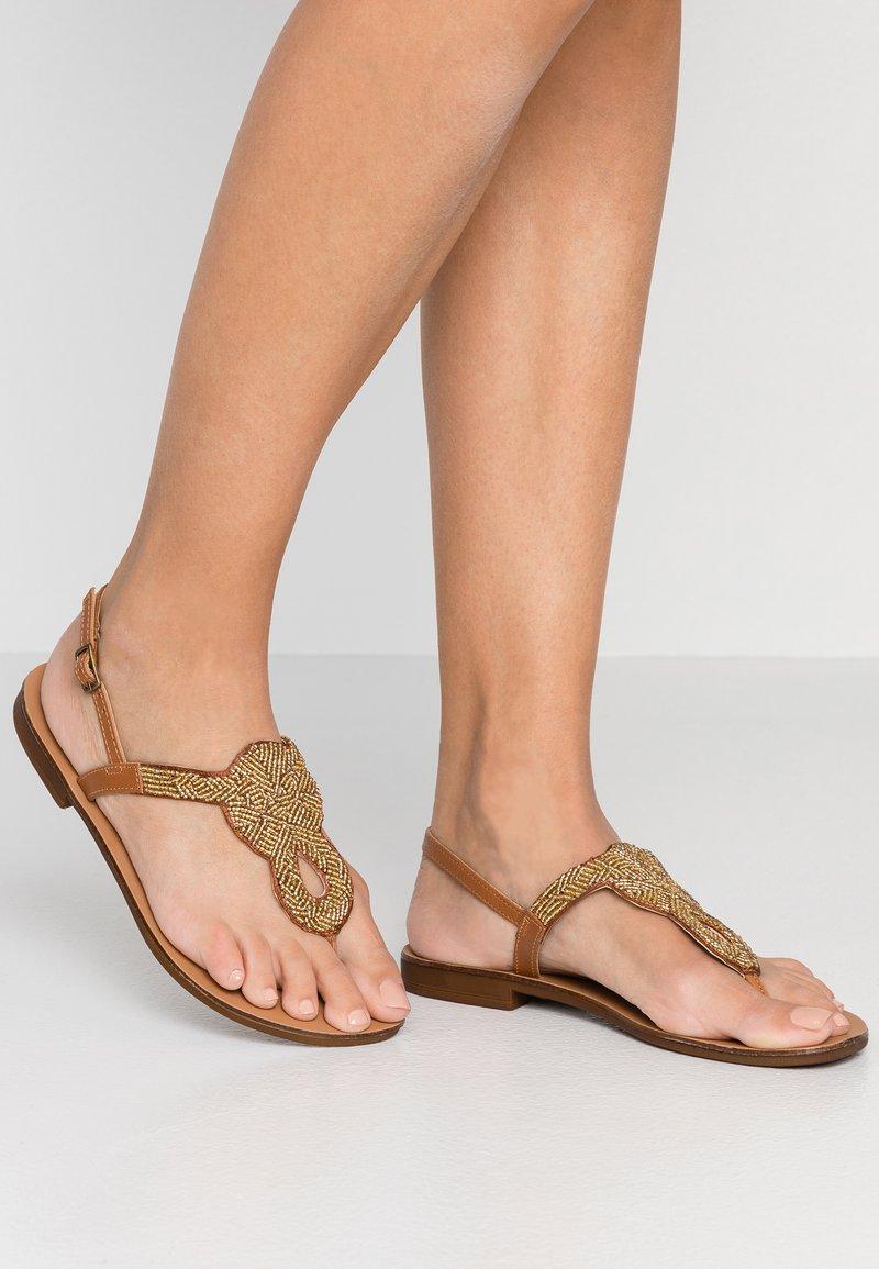 Pieces - PSCARMENSIA - T-bar sandals - gold