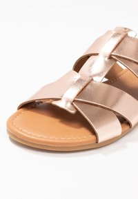 Pieces - PSABELLA - Mules - rose gold - 2