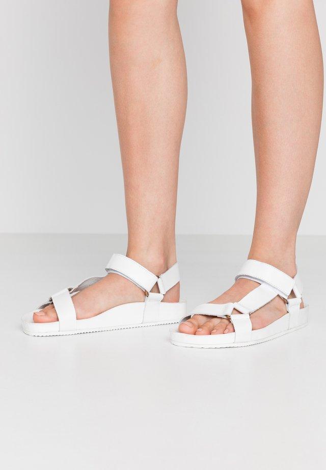 PSANASTACIA  - Sandalen - white