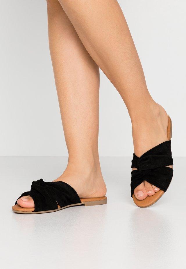 PSNELLIE - Pantolette flach - black
