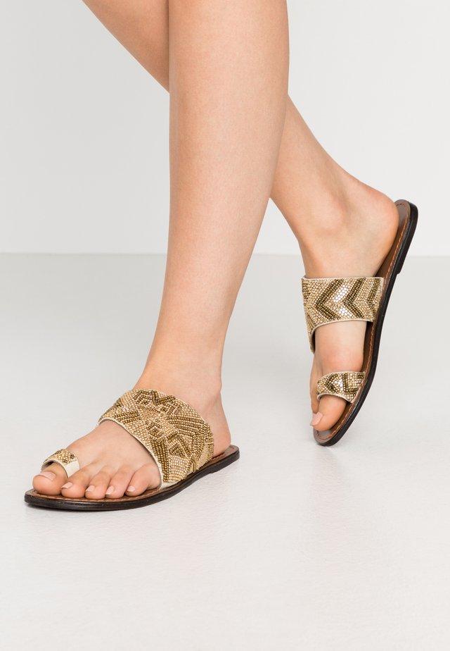 PSAGATA  - Flip Flops - gold
