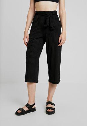 PCEDA CULOTTE - Trousers - black