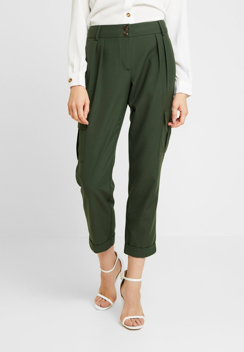 Pieces - PCHICA CROPPED PANTS - Trousers - forest night