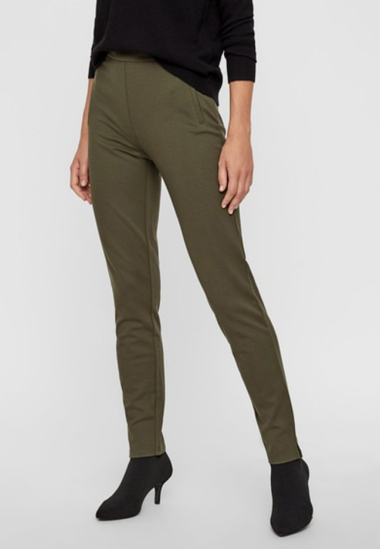 Pieces - PCKLARA MW SLIM PANT BF - Spodnie materiałowe - olive
