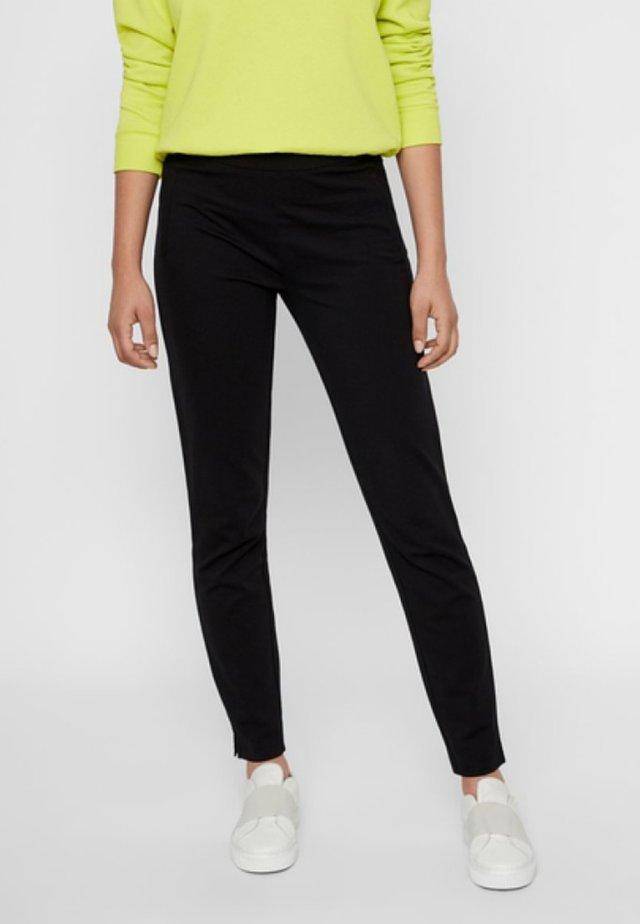 PCKLARA MW SLIM PANT BF - Spodnie materiałowe - black