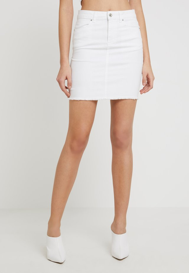 PCAIA SKIRT  - Jeansrok - bright white