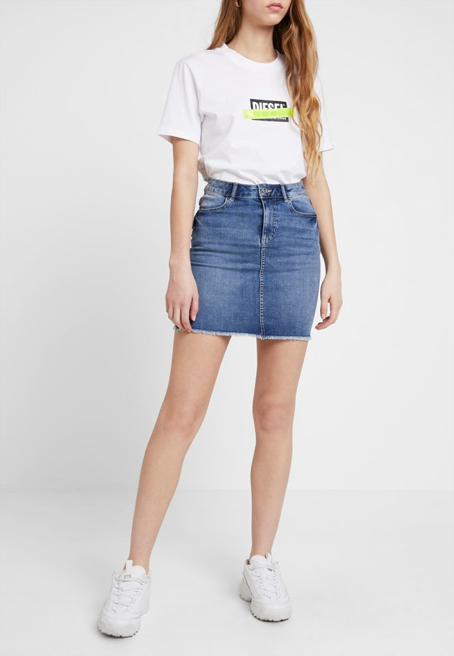 PCAIA SKIRT - Jeansrock - light blue denim