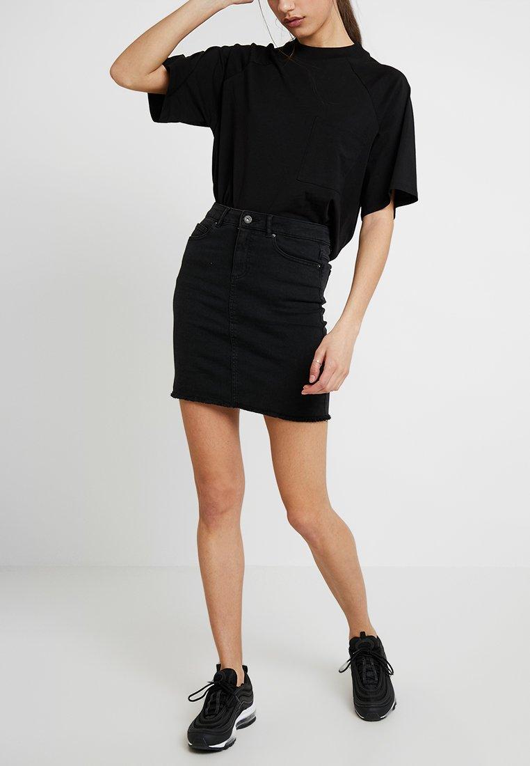 Pieces - PCAIA SKIRT  - Pouzdrová sukně - black denim
