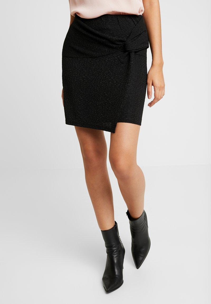 Pieces - PCSYRINA SKIRT - Pencil skirt - black